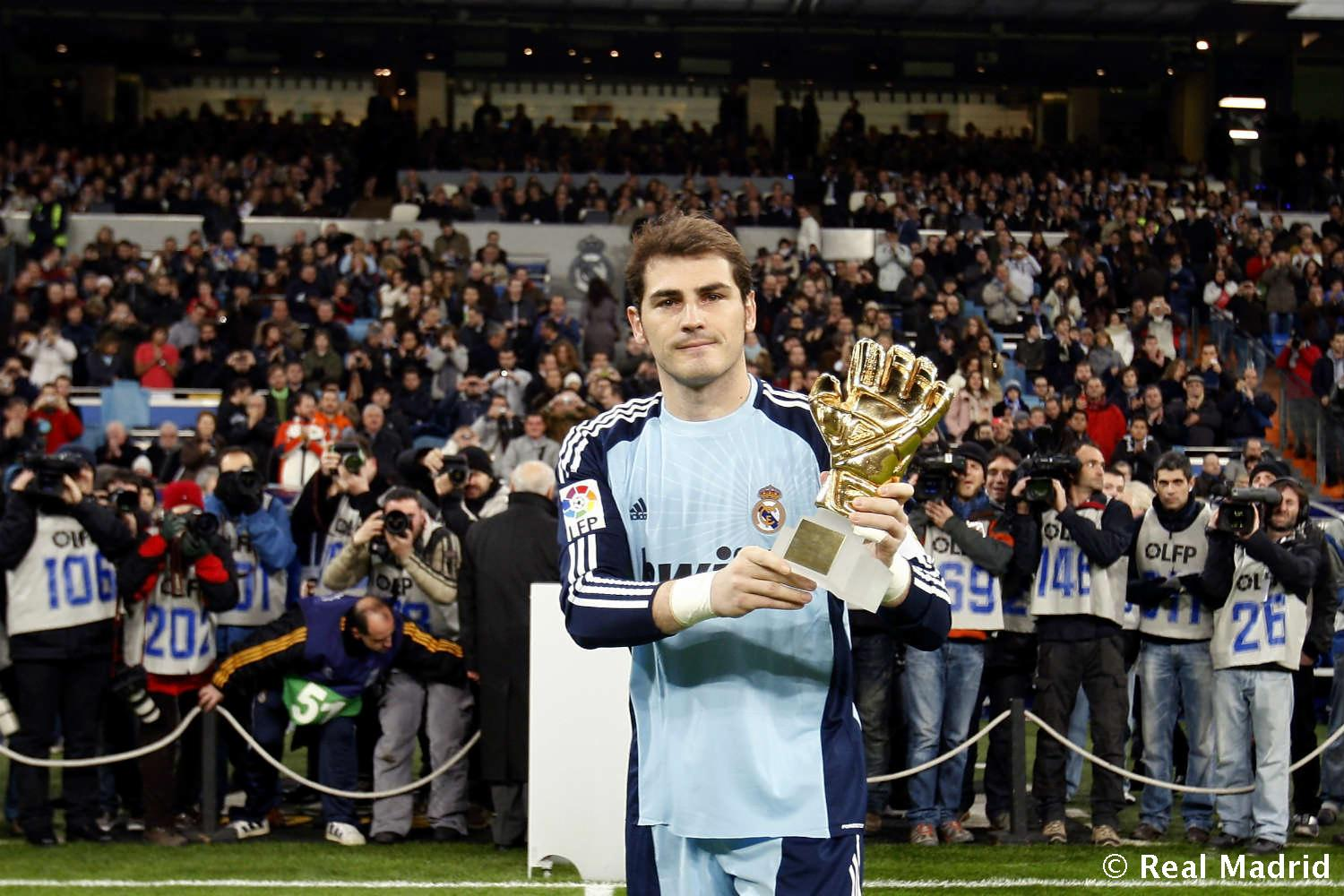 Real Madrid - Iker Casillas. Guante de Oro (2010) - 27-01-2014