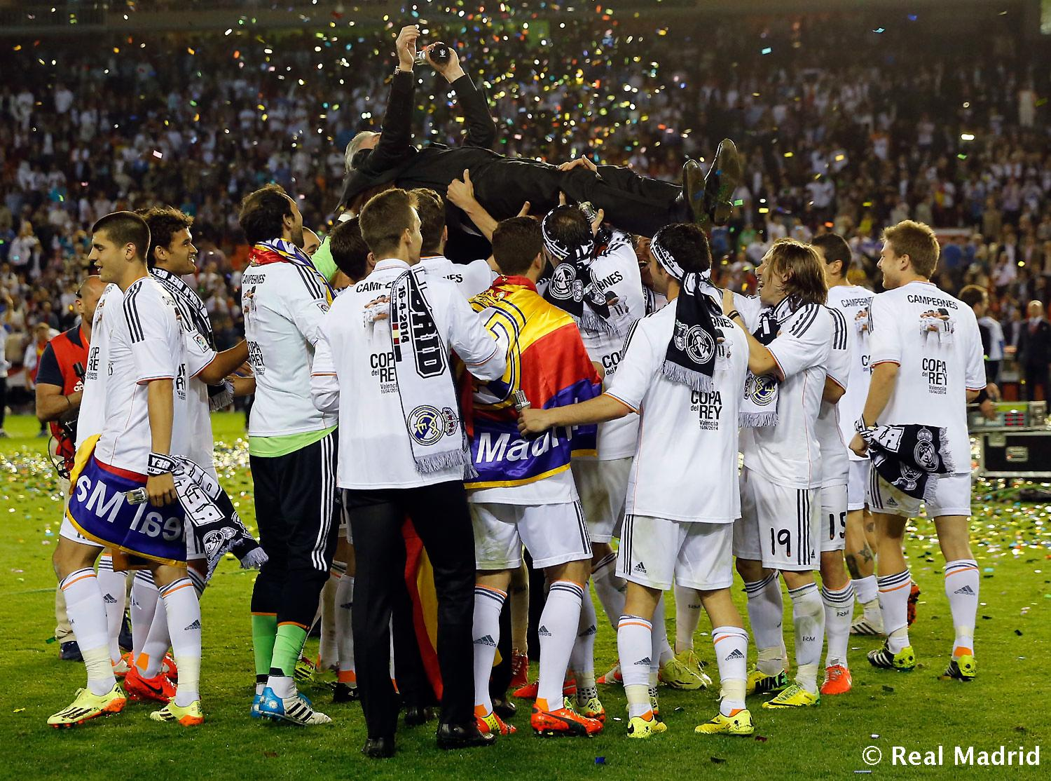 Real Madrid - Celebración cesped - 17-04-2014