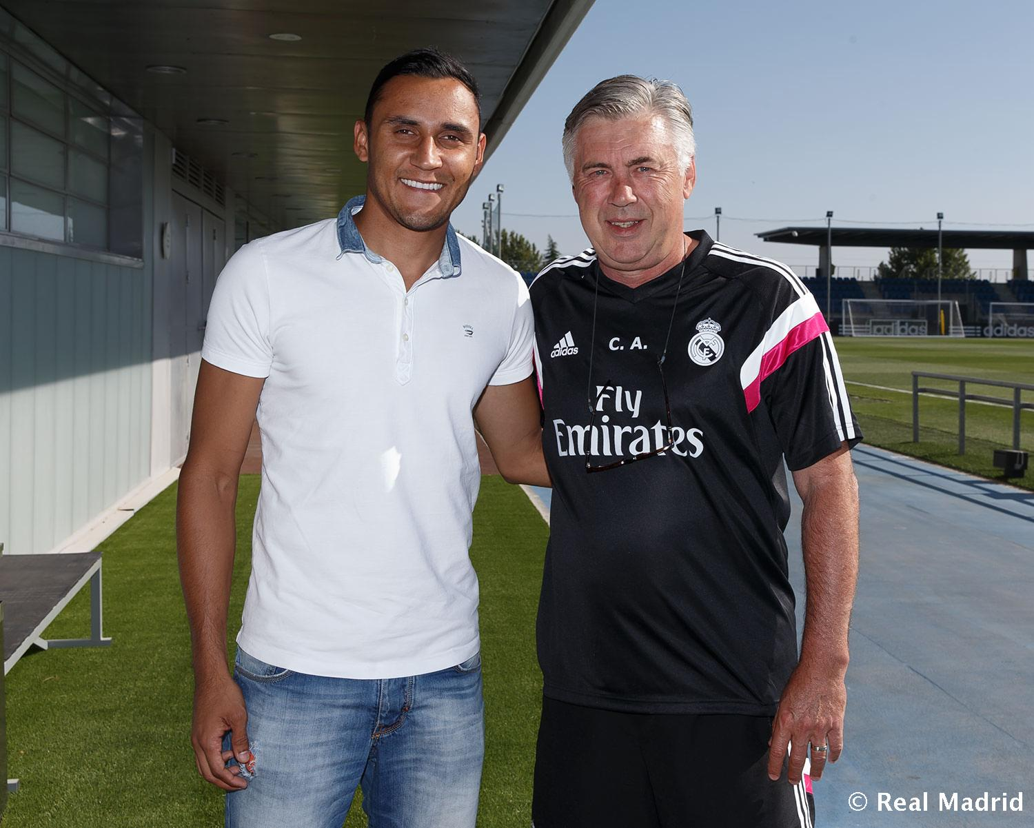 Real Madrid - Keylor Navas visita la Ciudad Real Madrid - 04-08-2014