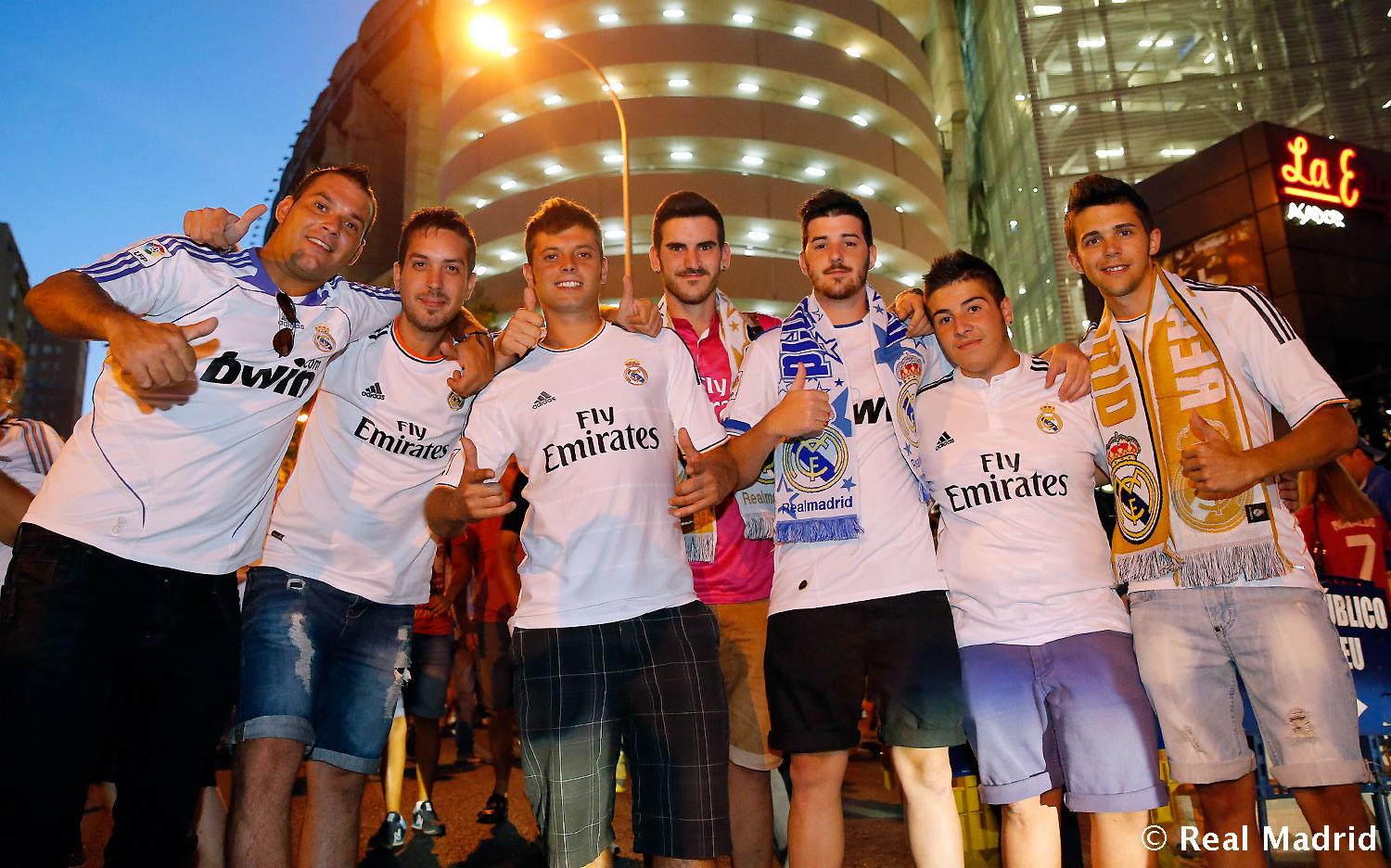 Real Madrid - Ambiente previo al Real Madrid - Atlético de Madrid - 19-08-2014
