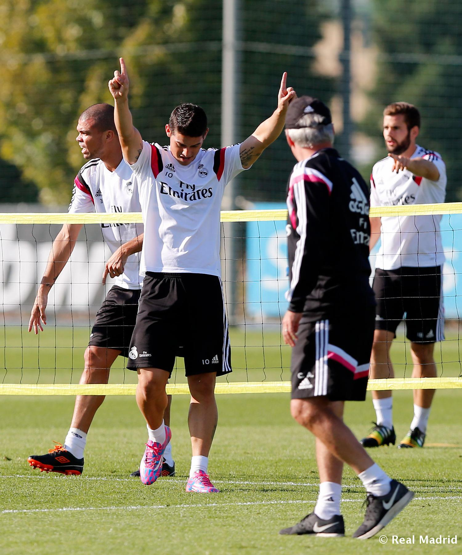 Real Madrid - Entrenamiento del Real Madrid - 02-10-2014
