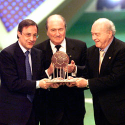 The Best Club of the 20th Century FIFA Trophy 4ae04991f8053