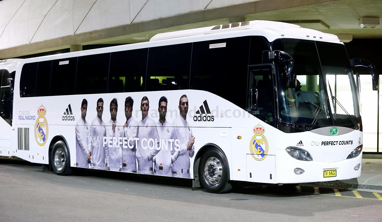 Real Madrid - Autobús del Tour 2015 del Real Madrid - 21-07-2015