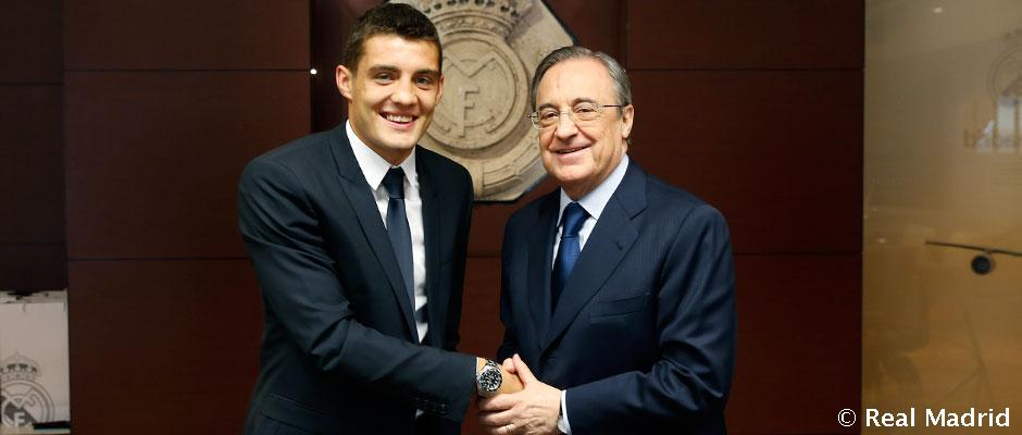 Kovacic signs his contract with Real Madrid