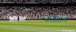 The Santiago Bernabéu observes a minute's silence to mark the passing of Ángel Atienza