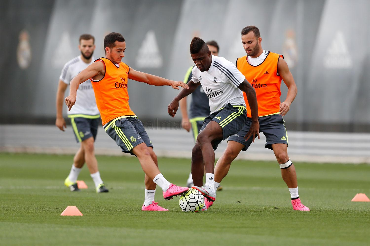 Real Madrid - Entrenamiento del Real Madrid - 07-09-2015