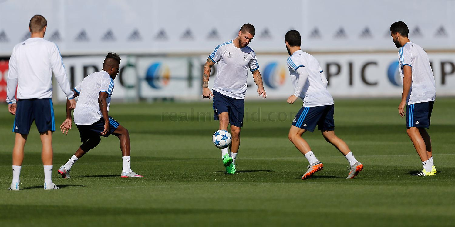 Real Madrid - Entrenamiento del Real Madrid - 14-09-2015