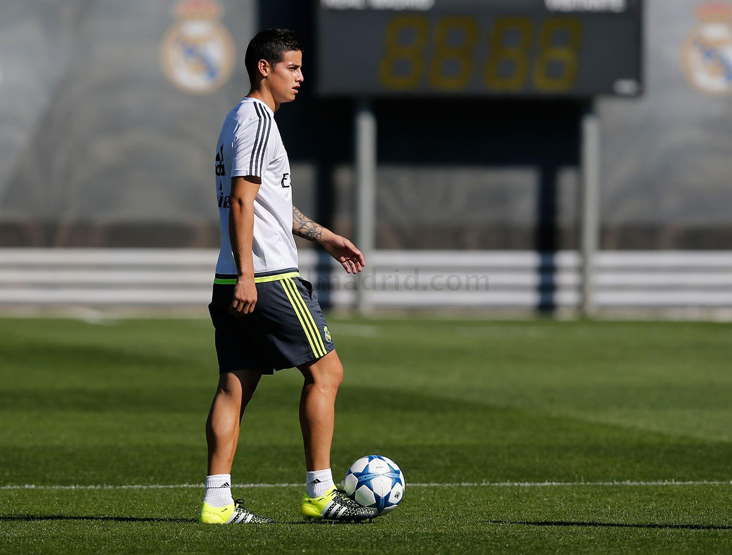 Real Madrid - Entrenamiento del Real Madrid - 25-09-2015