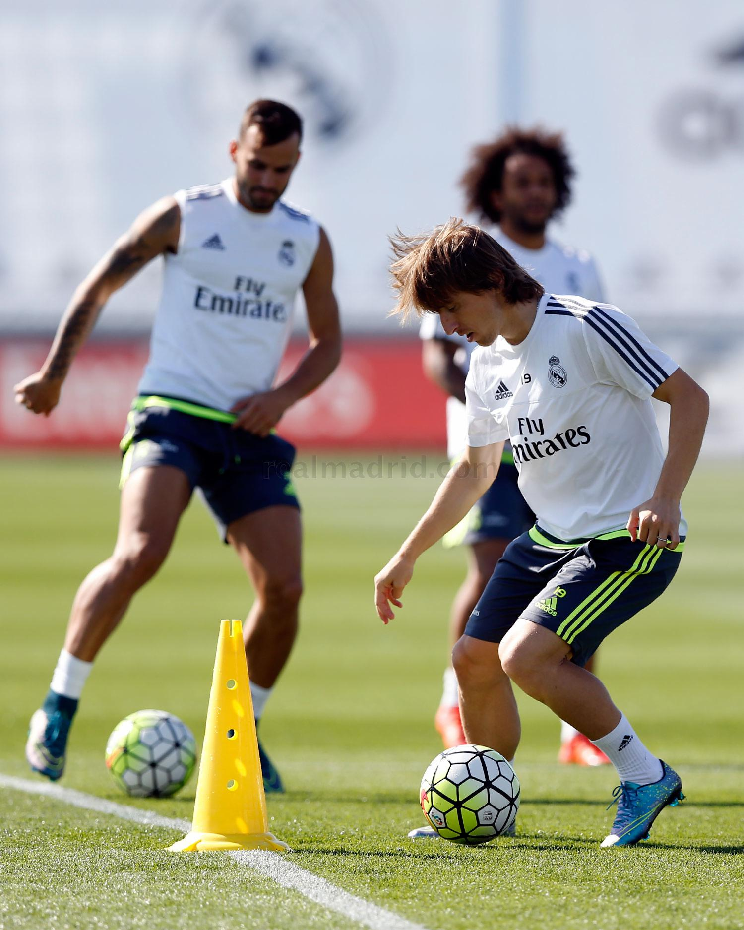 Real Madrid - Entrenamiento del Real Madrid - 01-10-2015