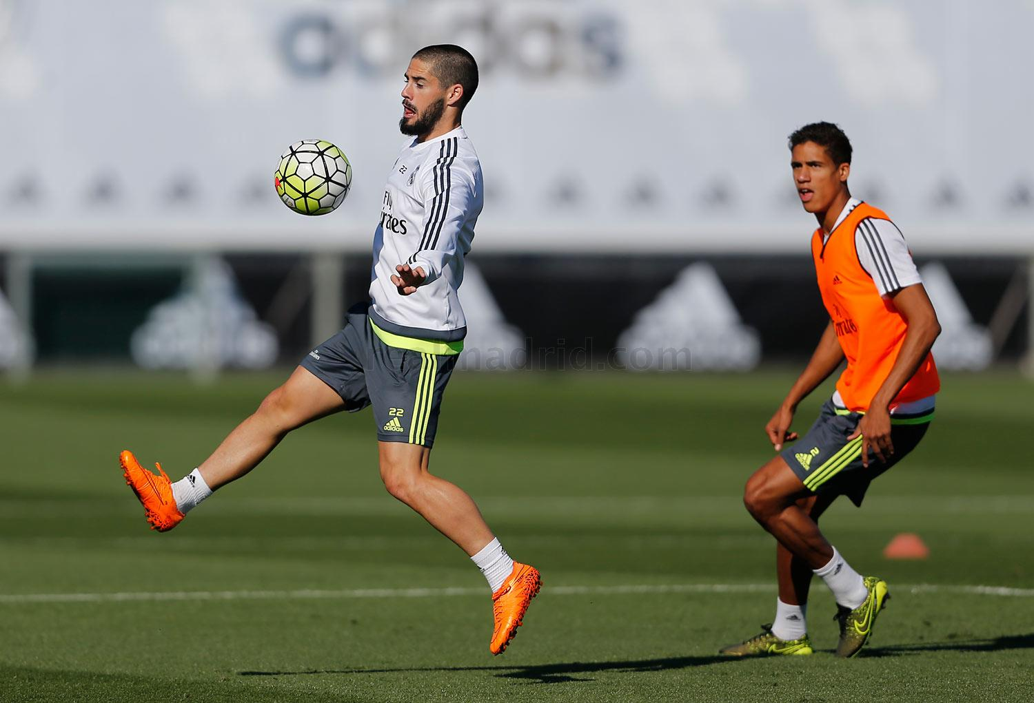 Real Madrid - Entrenamiento del Real Madrid - 02-10-2015