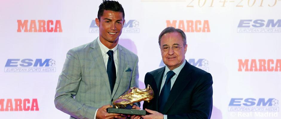63352e34c1a Golden Shoe 2015  Cristiano Ronaldo receives his fourth Golden Shoe ...