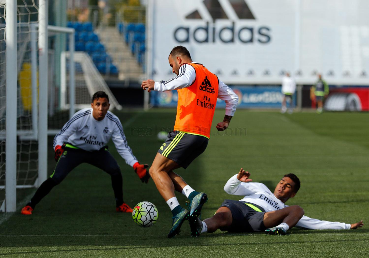 Real Madrid - Entrenamiento del Real Madrid - 16-10-2015