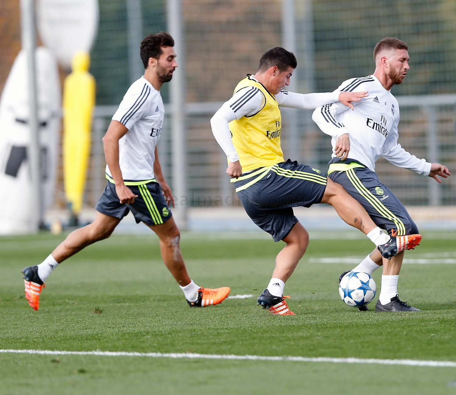 Real Madrid - Entrenamiento del Real Madrid - 01-11-2015