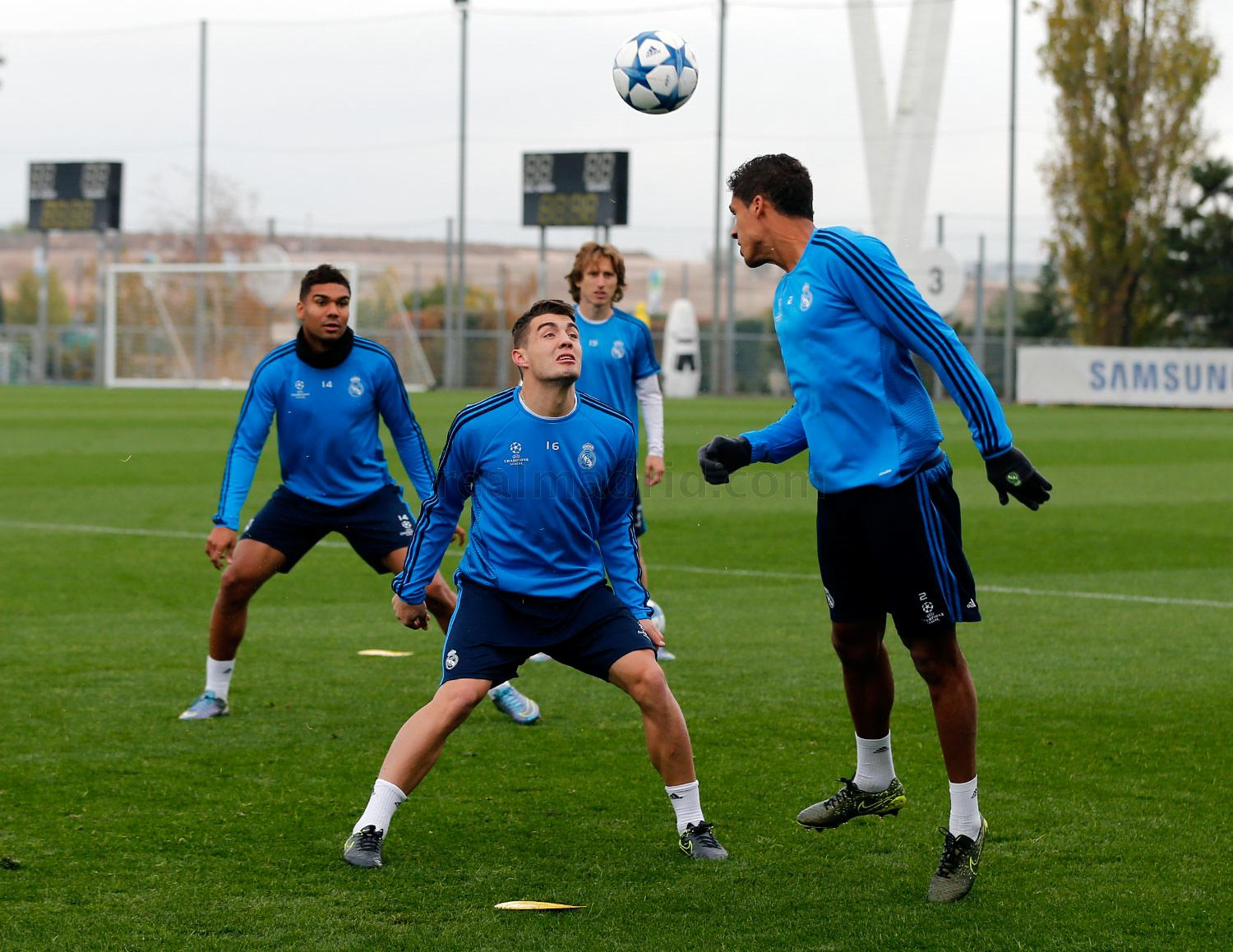 Real Madrid - Entrenamiento del Real Madrid - 03-11-2015