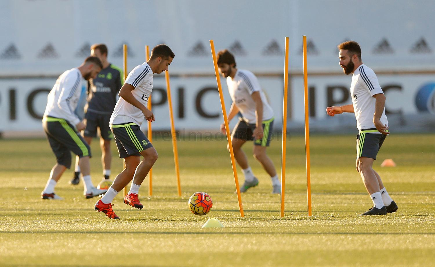 Real Madrid - Entrenamiento del Real Madrid - 16-11-2015