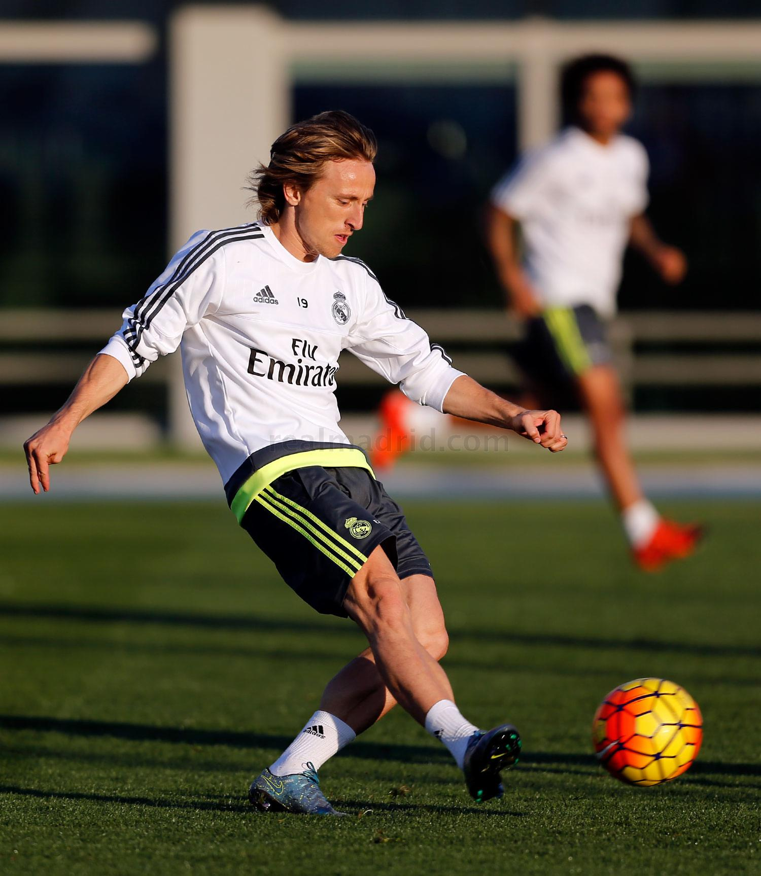 Real Madrid - Entrenamiento del Real Madrid - 17-11-2015