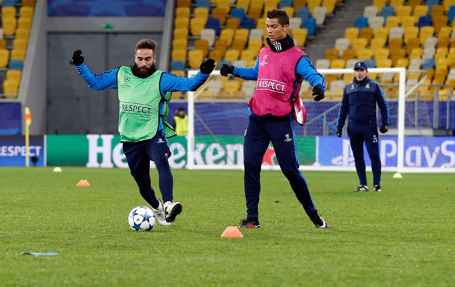Real Madrid - Entrenamiento Lviv - 24-11-2015