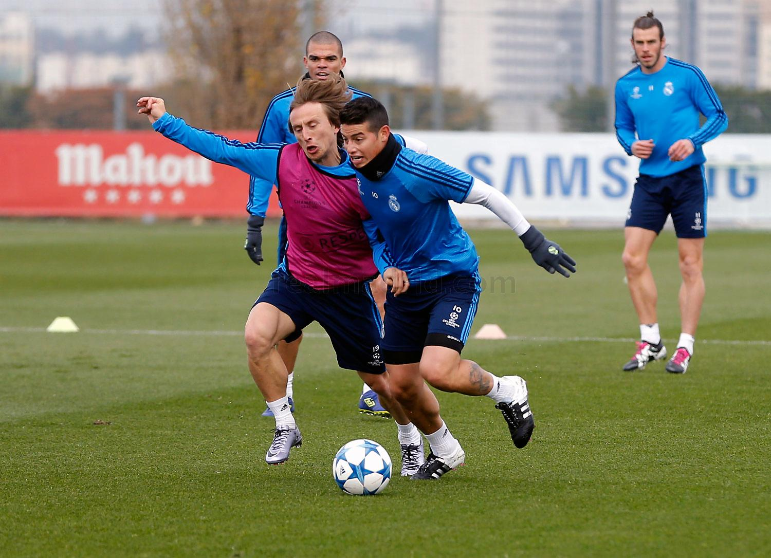 Real Madrid - Entrenamiento del Real Madrid - 07-12-2015