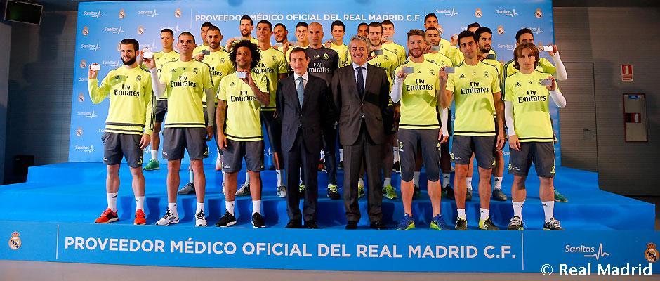 Sanitas entregó sus tarjetas sanitarias al Real Madrid