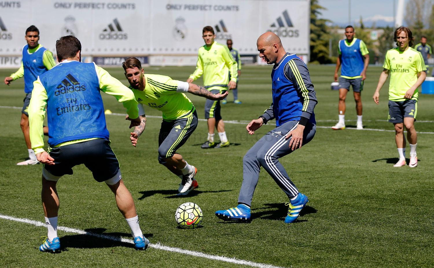 Real Madrid - Entrenamiento del Real Madrid - 18-04-2016