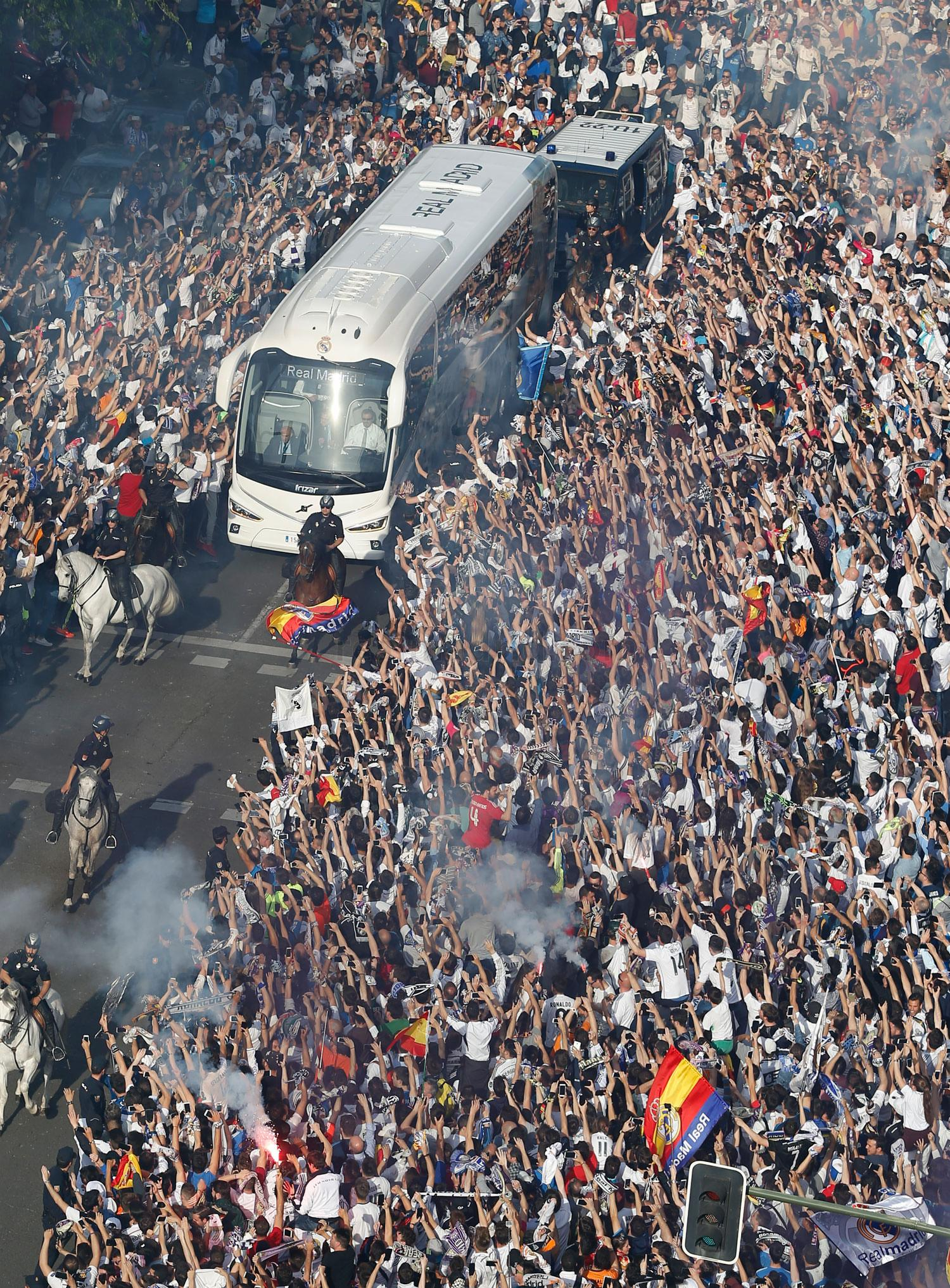 Real Madrid - Llegada del Real Madrid al estadio Santiago Bernabéu - 04-05-2016