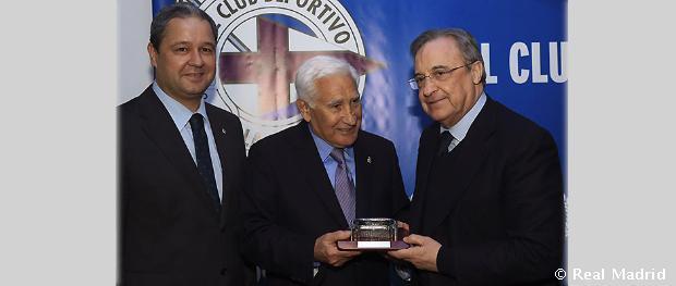 El real madrid se sum al homenaje a arsenio iglesias for Oficina atencion al socio real madrid