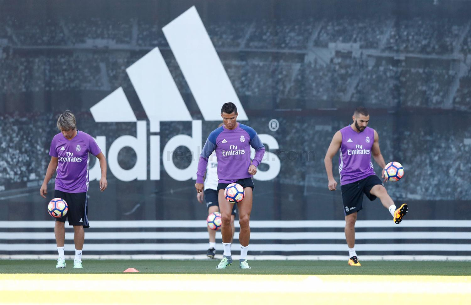Real Madrid - Entrenamiento del Real Madrid - 23-08-2016
