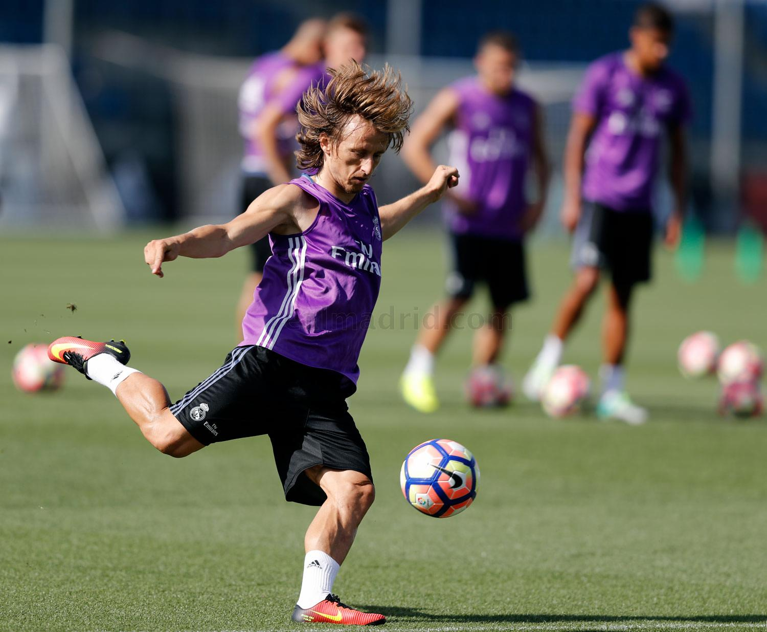 Real Madrid - Entrenamiento del Real Madrid - 26-08-2016