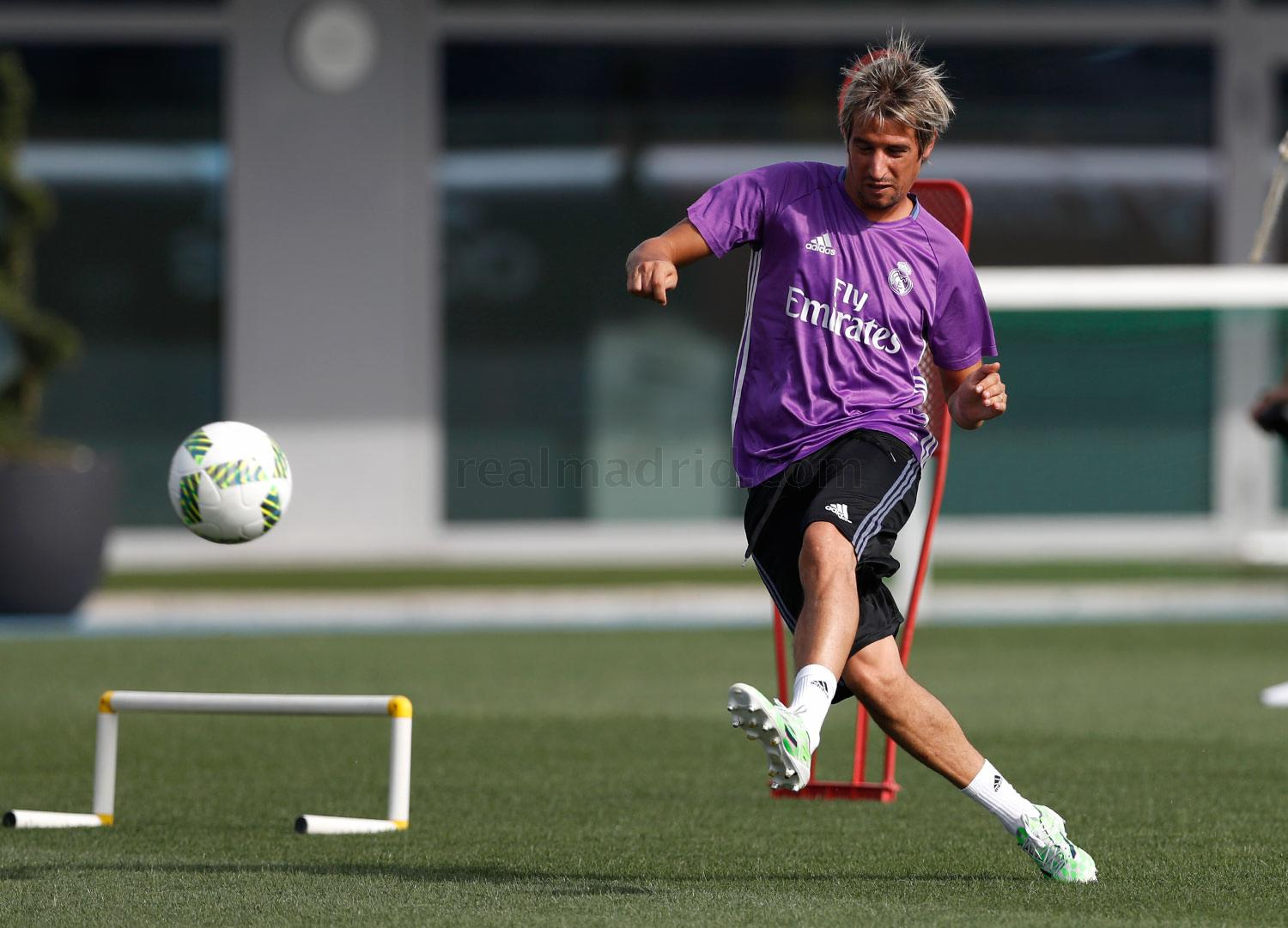Real Madrid - Entrenamiento del Real Madrid - 05-09-2016