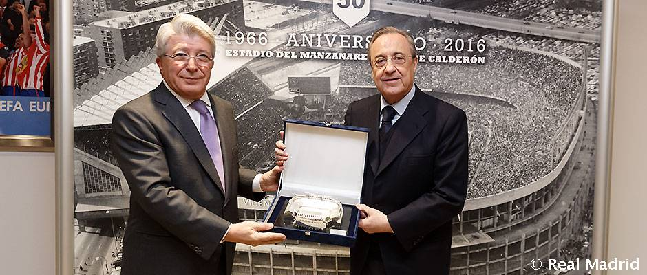 Video: Florentino Pérez a reçu une réplique du Vicente Calderon