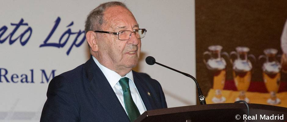 Video: Florentino Pérez attends the La Saeta Supporters' Club tribute to Paco Gento