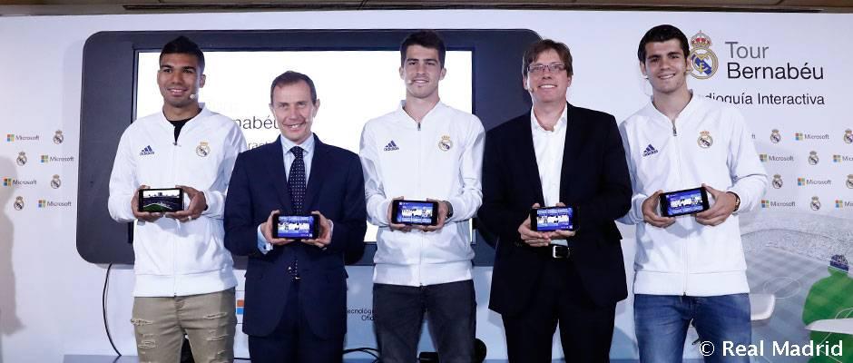 Video: El Real Madrid y Microsoft presentan la audioguía interactiva para visitar el Tour Bernabéu