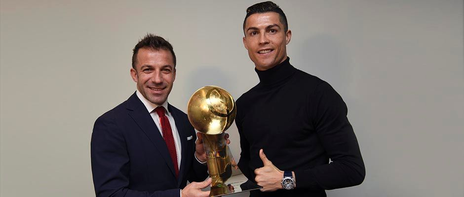 cristiano ronaldo best player of the year at globe soccer 2017