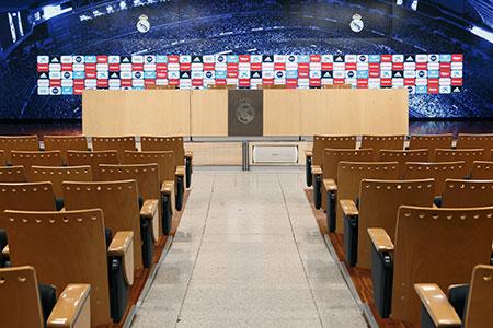 34ceba0c2edd5 Visita la sala de prensa del Real Madrid y siéntete como el entrenador y  los jugadores