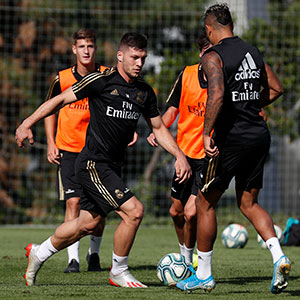 Real Madrid - Entrenamiento del Real Madrid - 09-10-2019
