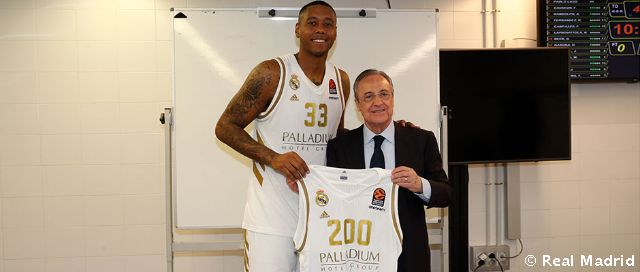 Thompkins played his 200th game with Real Madrid