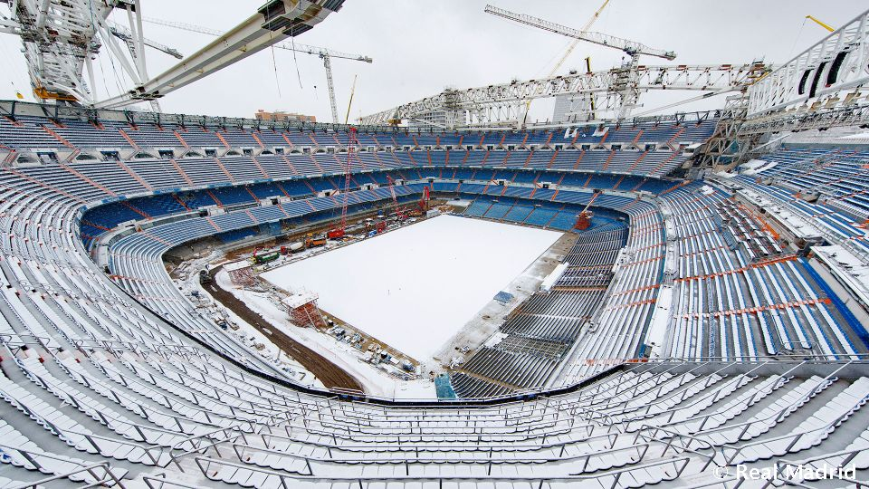 Video: Spectacular images of the Santiago Bernabéu covered in snow