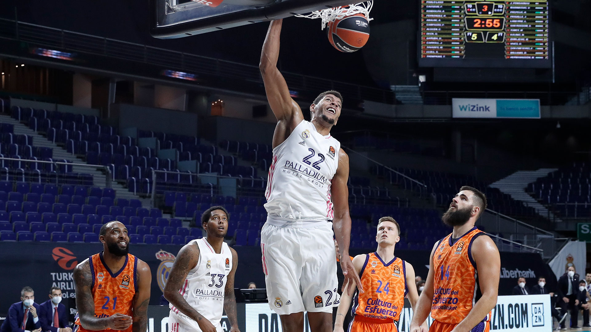 77 93 Madrid Unable To Claim Victory On Euroleague Return To The Wizink Center Real Madrid Cf