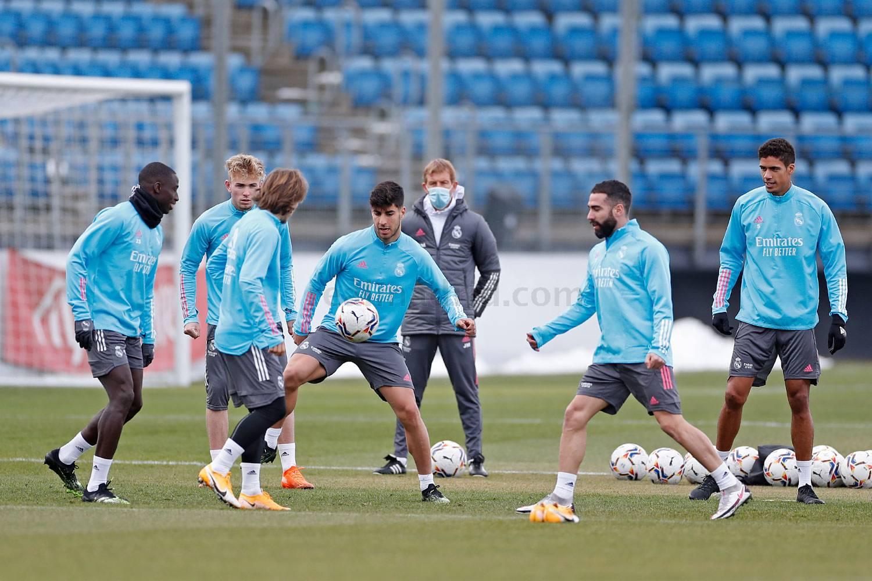 Entrenamiento del Real Madrid  - 19-04-2021