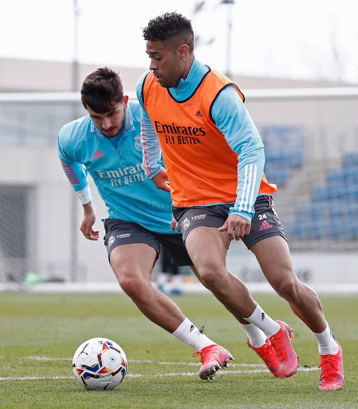Entrenamiento del Real Madrid  - 14-04-2021