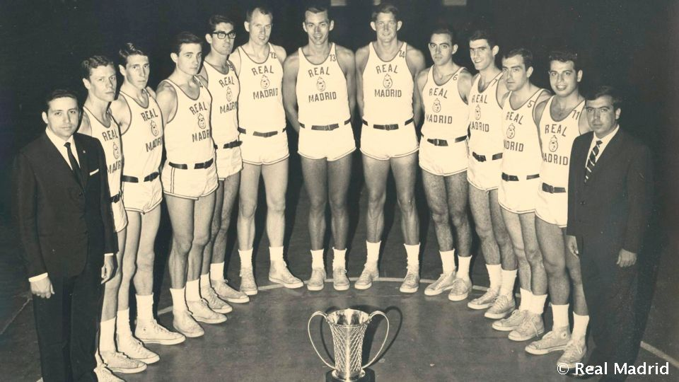 Video: The first basketball European Cup