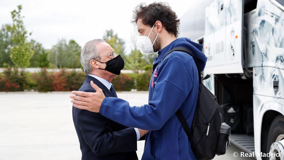Video: Präsident besucht Basketball-Team vor Istanbul-Reise