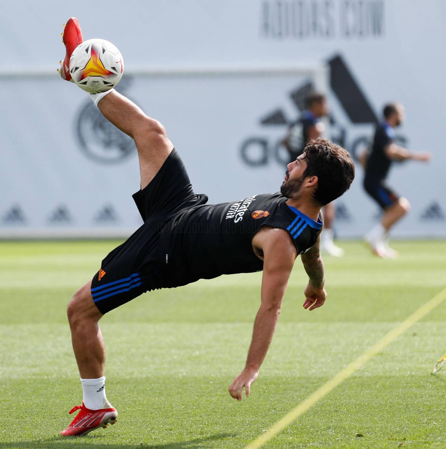 Entrenamiento del Real Madrid  - 16-10-2021