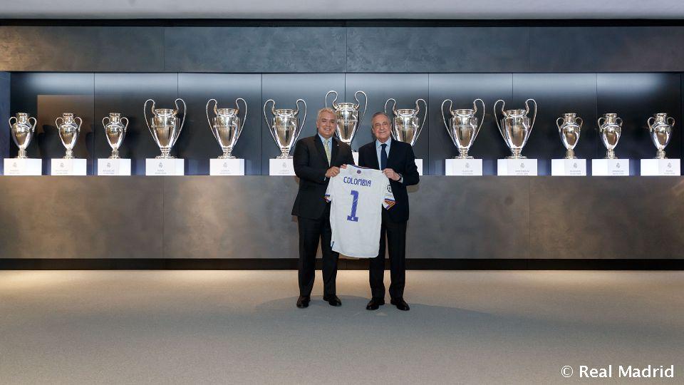 Video: El presidente de Colombia visita la Ciudad Real Madrid