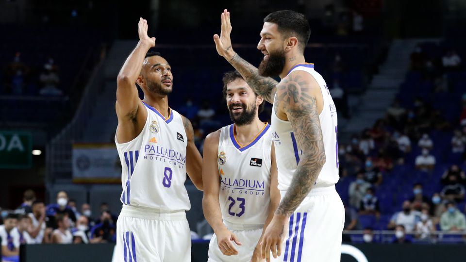Video: 70-63: Real Madrid get the league campaign underway with a win