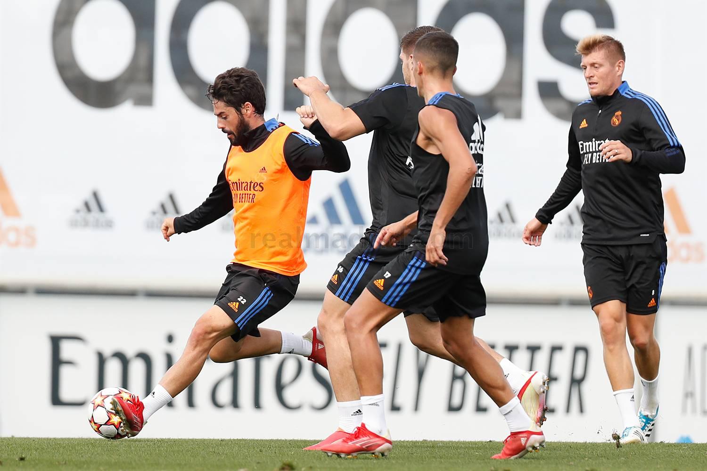 Entrenamiento del Real Madrid  - 17-10-2021