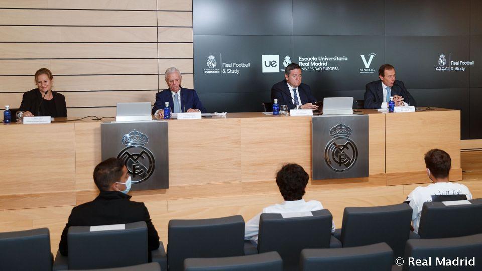 Video: Butragueño presenta el programa 'Real Football & Study'