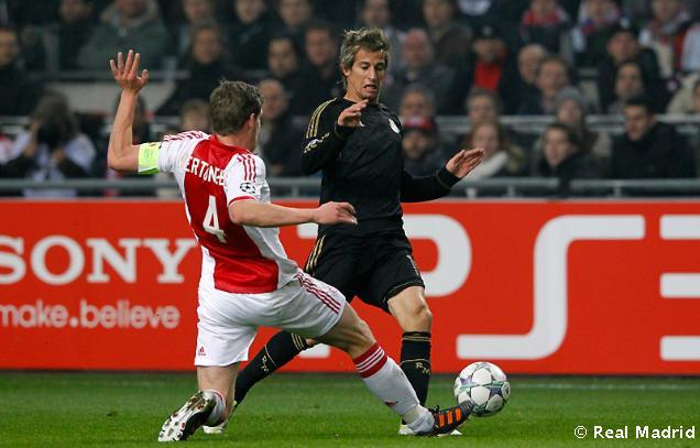 واهداف مباراة أياكس امستردام ابطال اوروبا الاربعاء 7/12/2011
