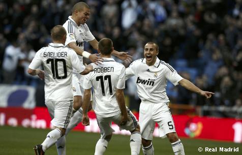 Alegría tras el gol de Robben