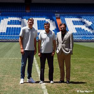 Slovenian president pays visit to Bernabéu and Real Madrid City